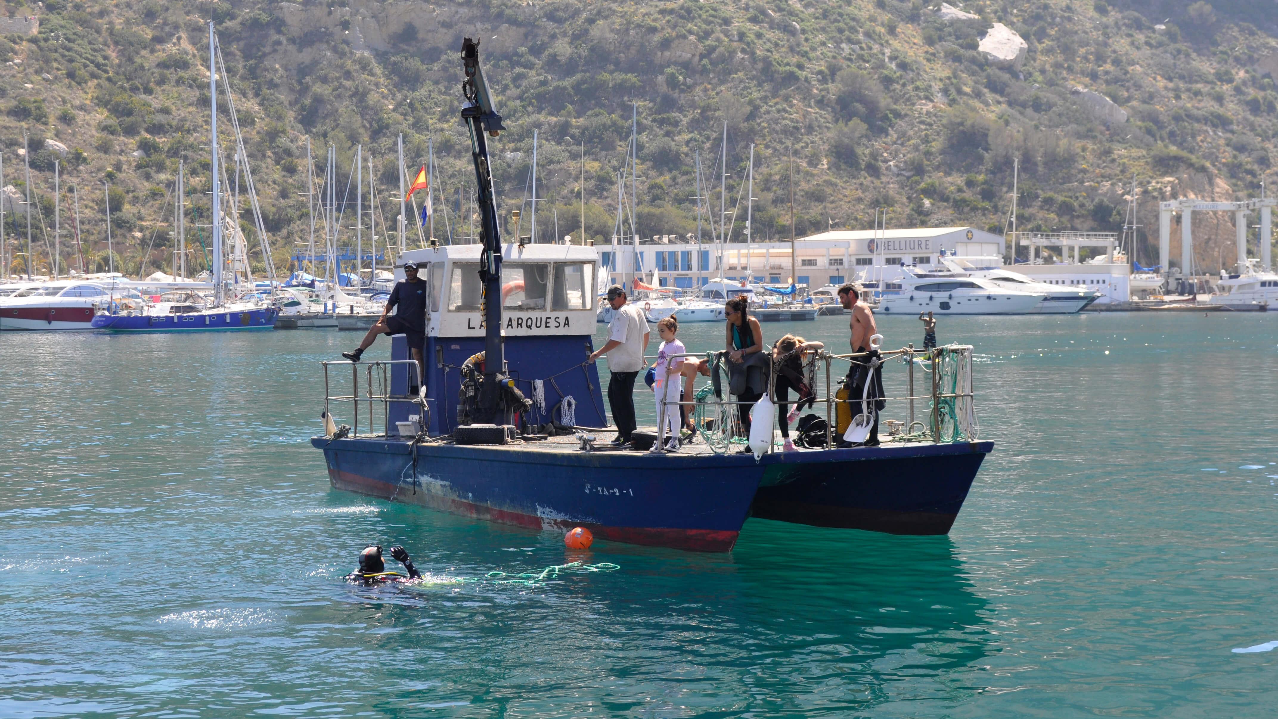 Recogida residuos del lecho marino del puerto de Calpe_02