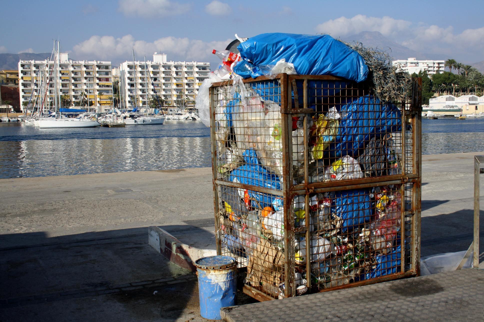 Noticia plásticos en el mar